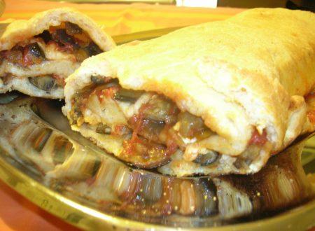 Rotolo di pizza alla parmigiana