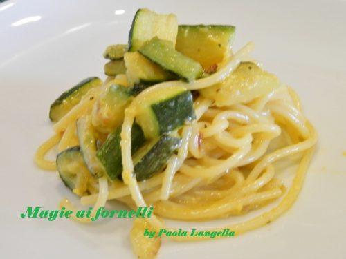 Carbonara di spaghetti e zucchine