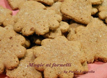 Biscotti con farina di segale e miele al profumo di zenzero e cannella