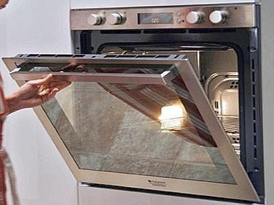 Pulire  il forno con detergenti naturali