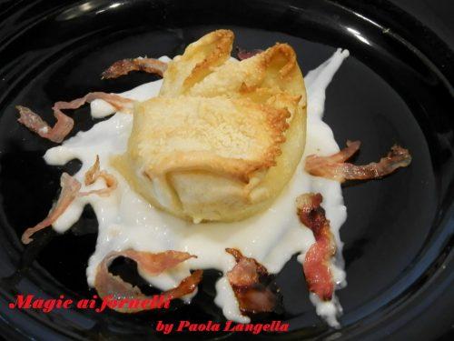 Manicaretti ripieni di ricotta e zucchine su  crema di formaggio e carciofi