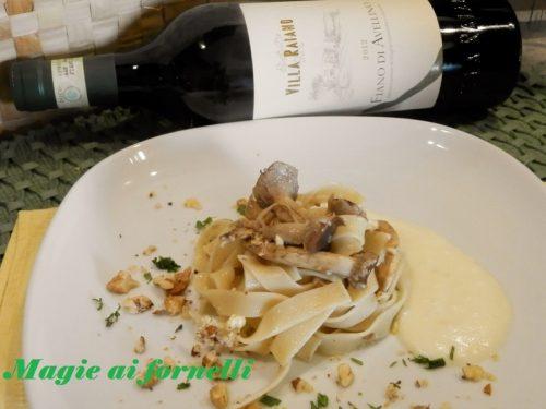 Tagliatelle ai funghi di pioppo e Fiano con fondue di Castelmagno