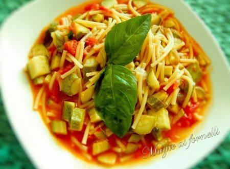 Pasta e zucchine con Magic Cooker