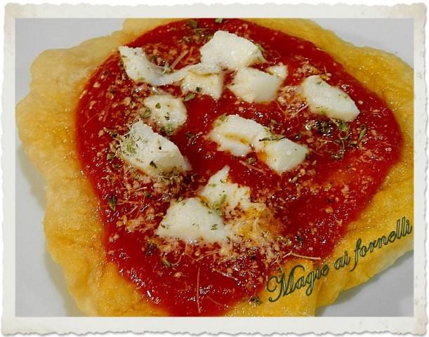 "la pizza fritta ""pizzelle """