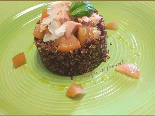 Quinoa rossa fredda al tonno e pomodori